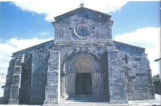 Igreja Românica S.Pedro de Rates. Rates, Portugal. Fachada (poente). Foto extraída de A Igreja Românica de S.Pedro de Rates de A.Campos Matos. Clique para ampliar.