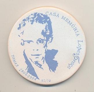 Medalha em cerâmica nº 02-50 da Casa Memória Lopes-Graça. Tomar. Clique para ampliar.