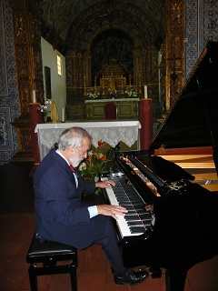 Recital na Igreja Matriz de Vila do Bispo no Algarve. Foto Maria Manuela Pedrosa Cardoso. 29/05/10. Clique para ampliar.